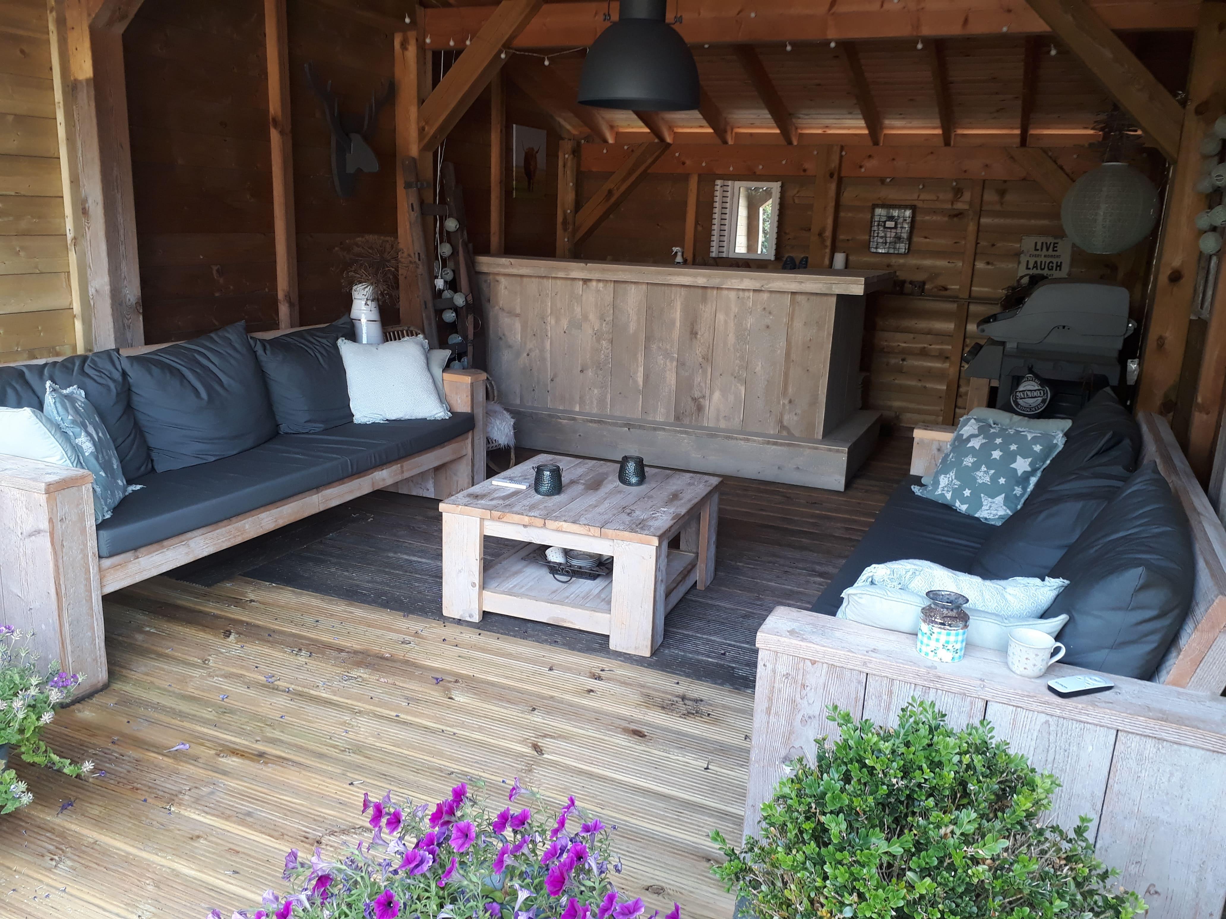 steigerhouten loungesets